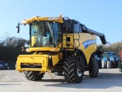 Newholland CX8090 Combine 2011