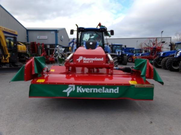 Unused Kverneland 3632 front mower.
