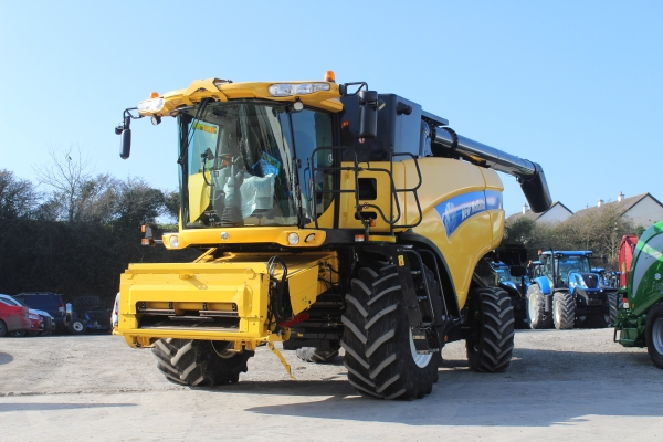 Newholland CX8090 Combine 2011
