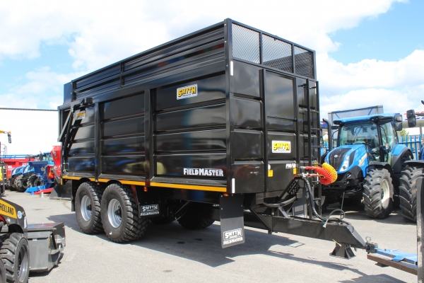 Unused Smyth 20ft silage trailer